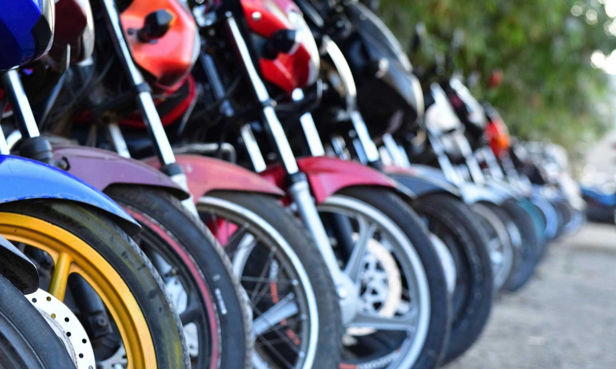 meilleurs prix pour les alarmes motos alarmes beeper le comparatif des alarmes moto et scooter. Black Bedroom Furniture Sets. Home Design Ideas